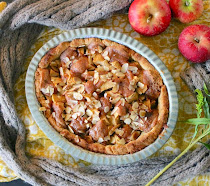 Deep Dish Apple Streusel Pie