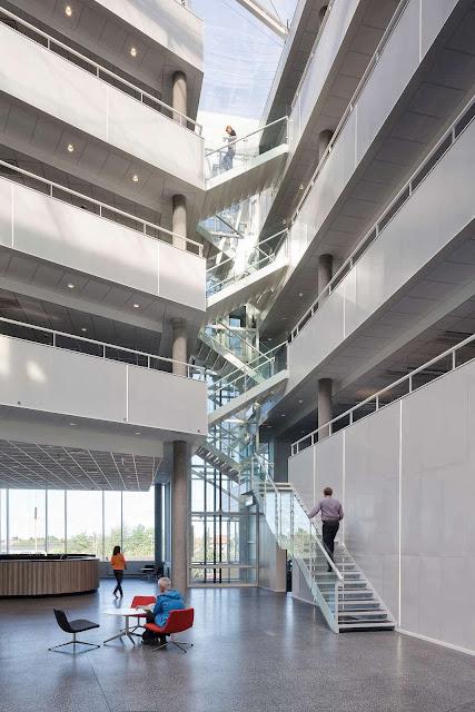 07-Office-Building-Buddinge-by-Schmidt-Hammer-Lassen-Architects