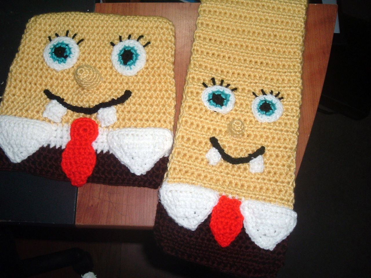 Free Crochet Pattern Spongebob Hat : Nanette Crochet: Spongebob Square Pants set