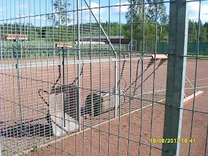 Virroilla ja Ylöjärven Vuorentaustassa hyvät massakentät - Tilaa valmentaja tennisryhmällesi