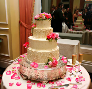 Simple wedding cake designs uk