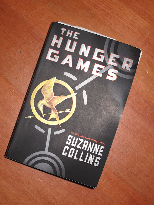 the hunger games book 1 cover