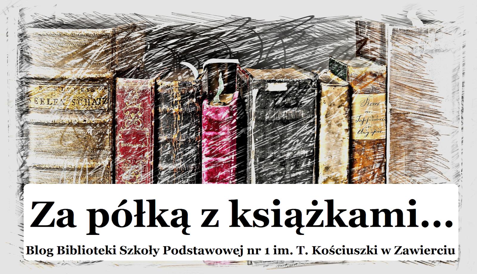 Za półką z książkami...