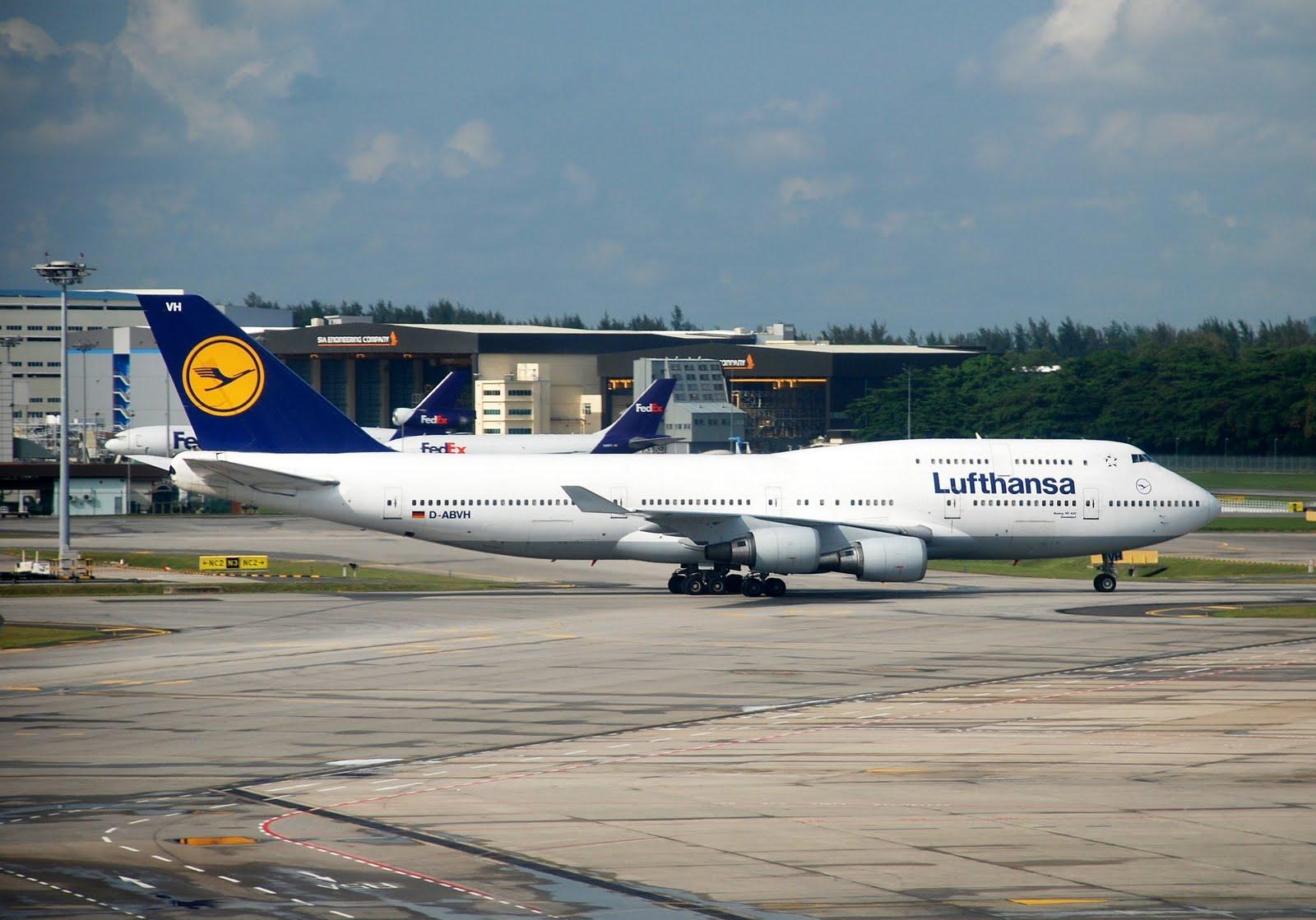 da Lufthansa na rota Alemanha Brasil teve problemas nos banheiros #24385E 1600x1119 Banheiro De Avião