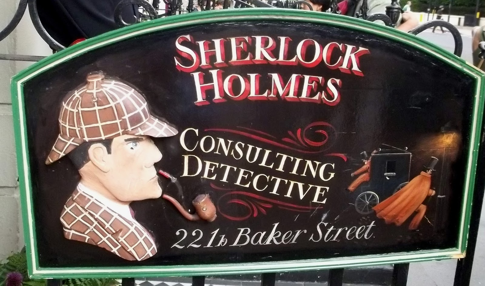 macbeth and sherlock holmes Sherlock holmes is one of the most famous characters in literature so  compelling has arthur conan doyle's brilliant detective proved to be.