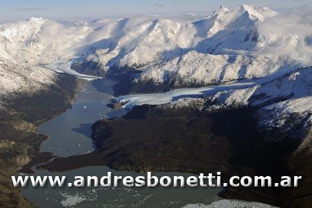 Bahia Onelli - Onelli Bay - Parque Nacional los Glaciares - Los Glaciares National Park - Patagonia - Andrés Bonetti