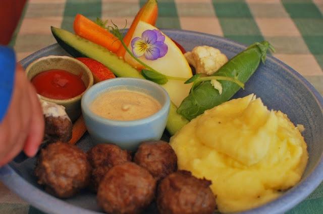 Högsåran Farmors Cafe - Lasten lihapulla-annos