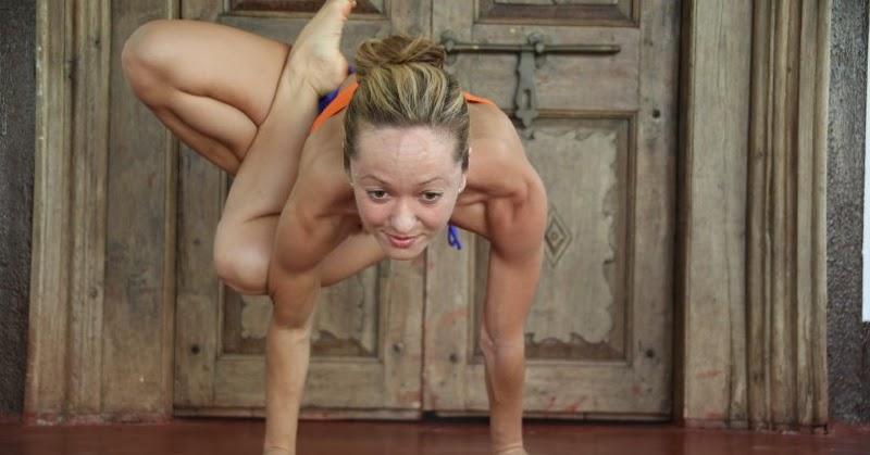 groups of naked women doing yoga
