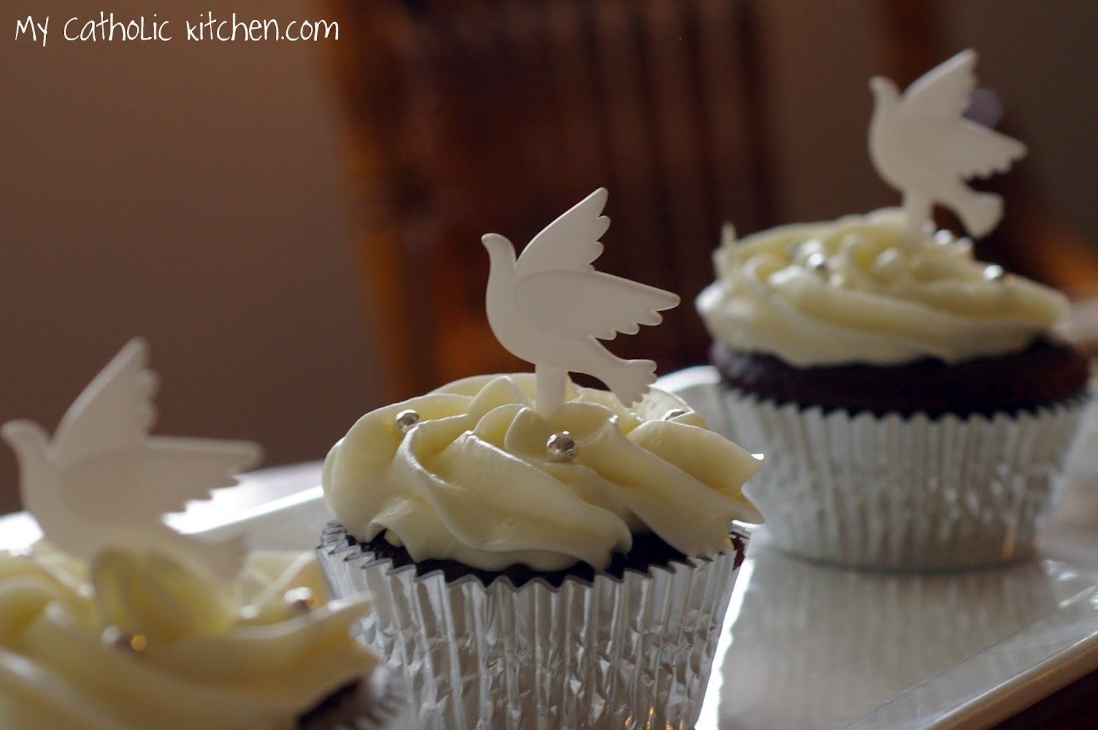 My Catholic Kitchen   First Communion Cupcakes