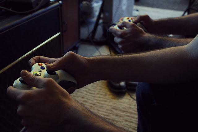 Kerugian Bermain Game Bagi Psikologis, kerugian bermain game, bermain game secara berlebihan