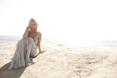 Laura,biography,Profiles ,Profiles and biography,Laura Vandervoort,Canadian,Actress, Canadian actress