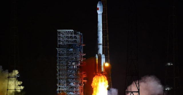 A Long March-3B rocket carrying two new-generation satellites for the BeiDou Navigation Satellite System (BDS) blasts off from the Xichang Satellite Launch Center in the southwest China's Sichuan Province, July 25, 2015. Credit: Xinhua/Zhu Zheng