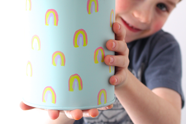 Such an fun rainbow kids craft or art project for Spring!