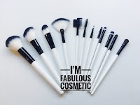 FABULOUS MAKEUP BRUSH SET