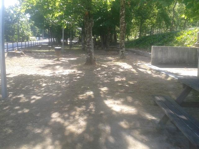 Parque Merendas Bodiosa com Sombra