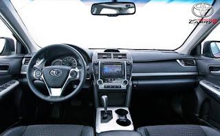 2016 vs 2017 Toyota Camry LE Design Interior