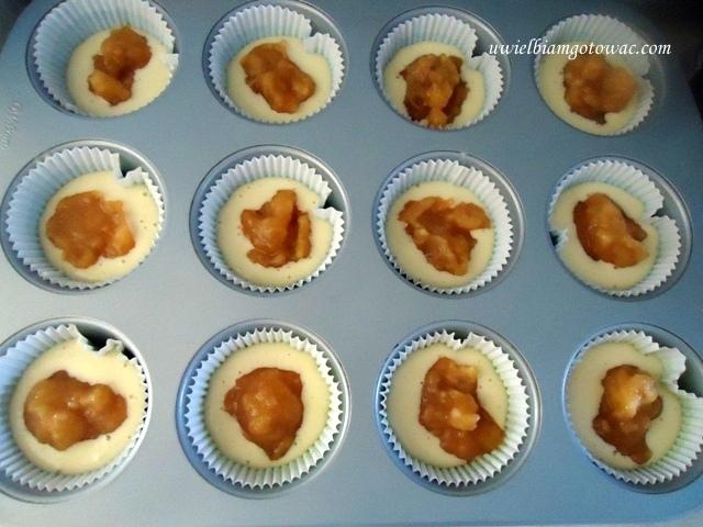 Muffiny z szarlotkowym nadzieniem