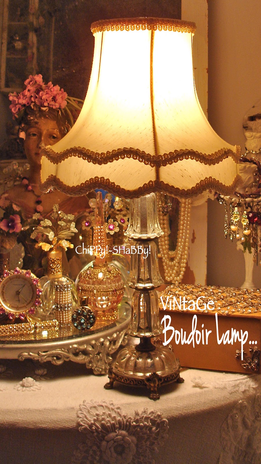 Chippy shabby vintage finds i love vamp over for Ambiance boudoir decoration