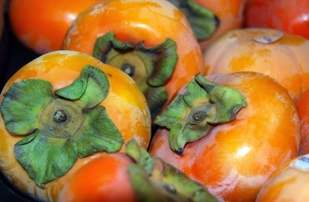 Benefits of Eatting Persimmon Fruit