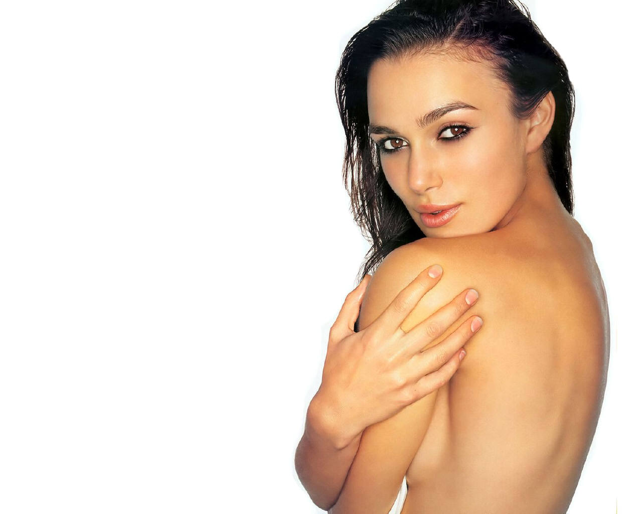 Here you can easily get more hot wallpapers of Keira Knightley
