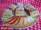 Habkönnyű almás sütemény, fahéjjal és vanília pudinggal ízesített, almás töltelékkel.