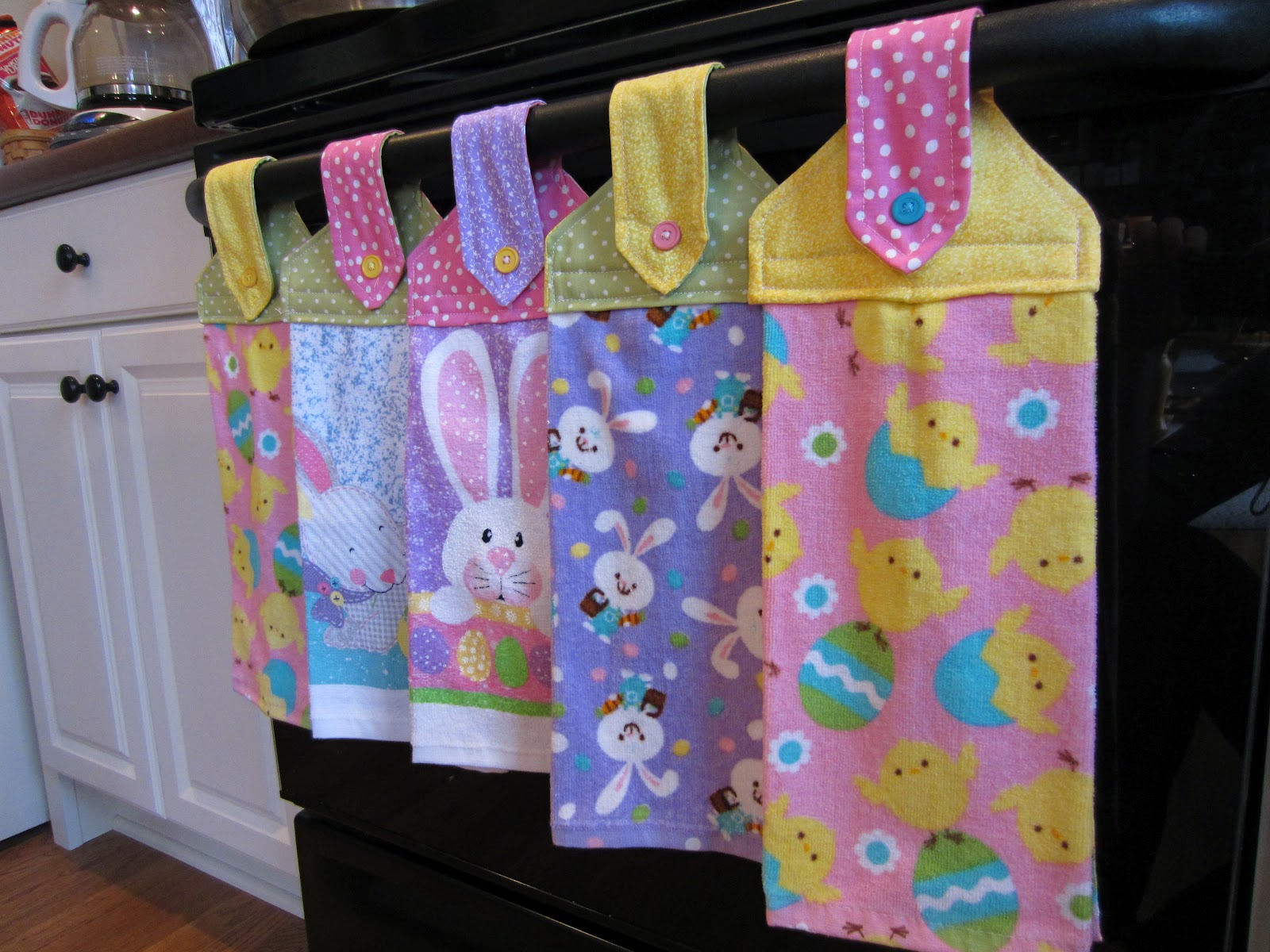 Simply diy 2 spring hanging towels for Kitchen crafts to make
