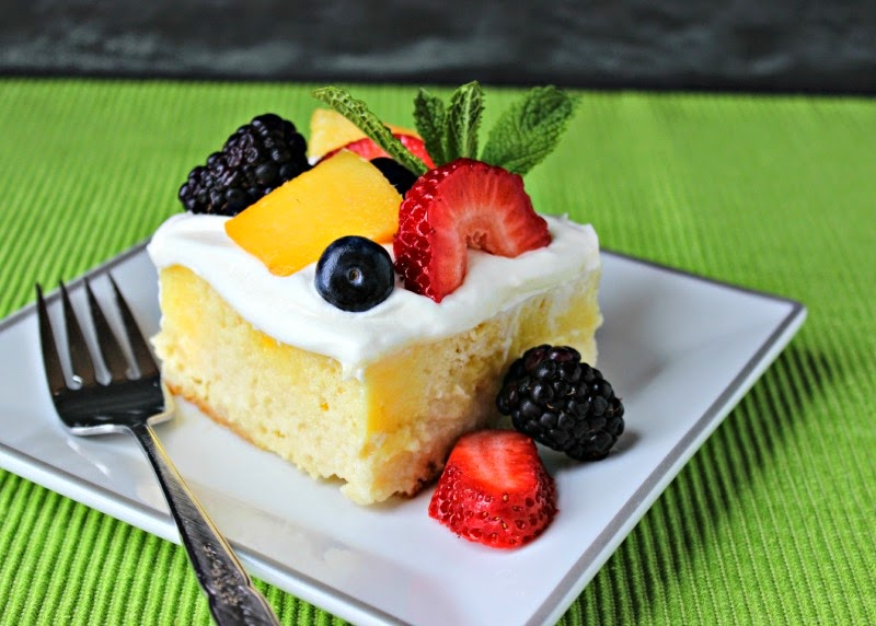 Skinny Tres Leches Poke Cake: Easy and diet friendly Mexican cuisine inspired cake. One of the best diet desserts I have ever made!  #Cincodemayo #Mexican #dessert