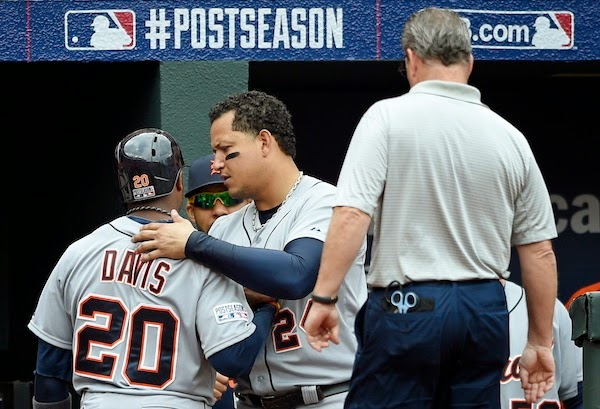 Rajai Davis leaves Game 2 of ALDS with 'tightness'