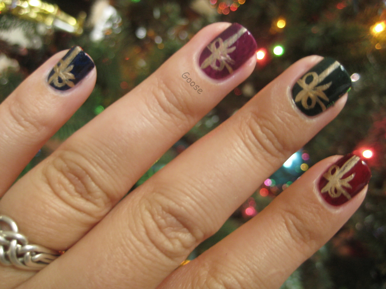 Gooses Glitter The 12 Days Of Christmas Nails Day 5 Presents