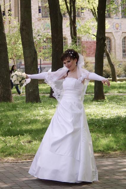 Свадебное фото - пьянящее счастье невесты