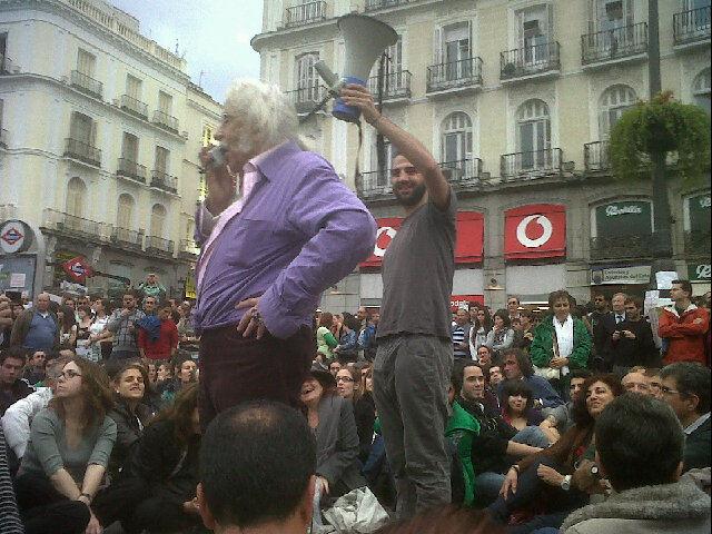Intervenció d'Agustín García Calvo a la Puerta del Sol de Madrid (19-05-2011)