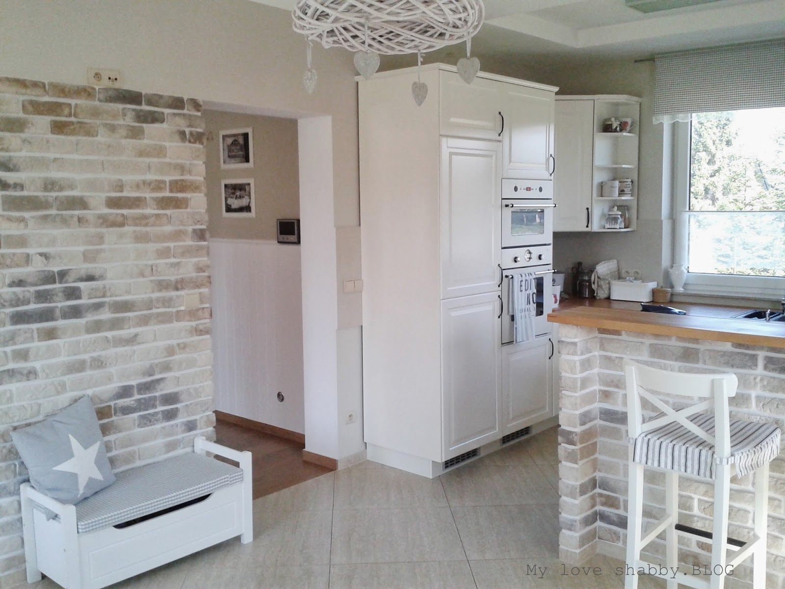 MLS blog  blog lifestylowy, wnętrza, inspiracje, DIY Biała kuchnia z drewni   -> Kuchnia Biala Z Drewnianymi Elementami