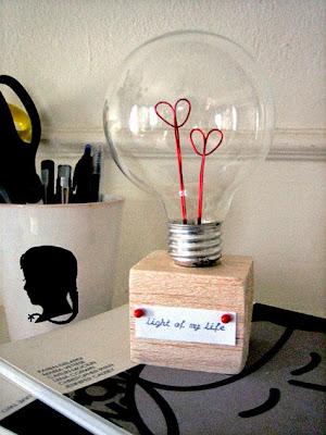 http://www.designsponge.com/2010/02/diy-project-valentine-lightbulb.html