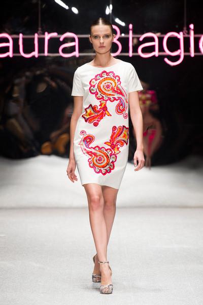 Milan Fashion Week S/S 2013: Vasilisa Pavlova in Laura Biagiotti show