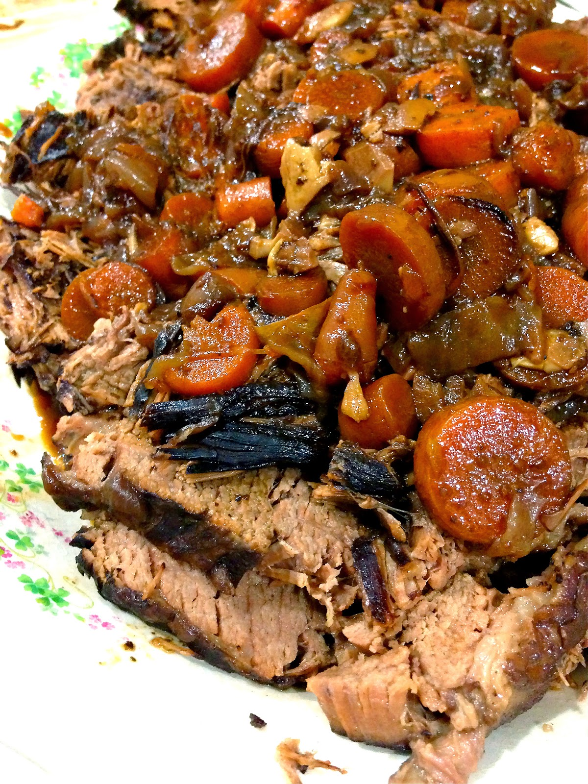 Red Wine Braised Beef Brisket with Caramelized Onions and Carrots ...
