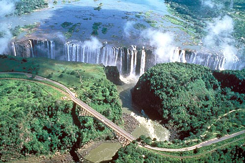 Landscapes and physical geography of victoria falls zimbabwe httpblogavelpod travel photophilandmaxjones11315856593red soilgtpodml publicscrutiny Images