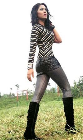 actress alisha pradhan