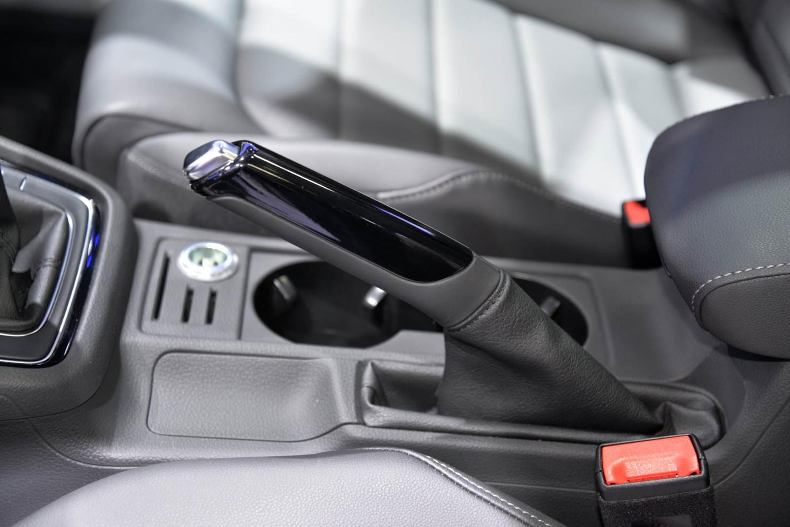Novo VW Golf 2015 - EUA spec - freio de mão convencional