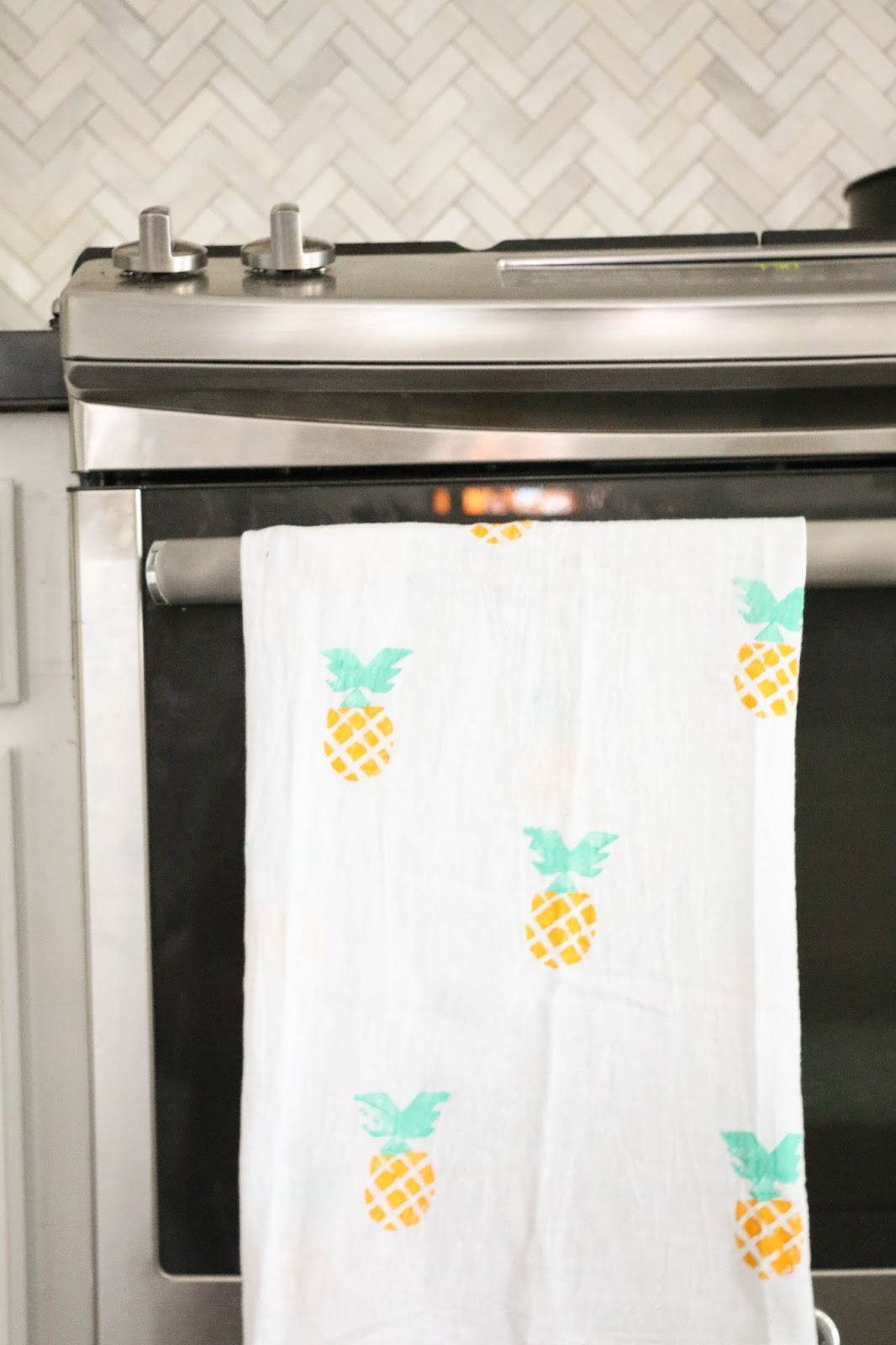 Craft It - Summery Pineapple Kitchen Towels - A Kailo Chic Life