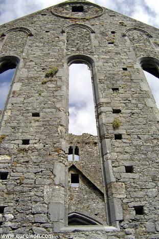 Alzado de la catedral de la Roca de Cashel en Tipperary