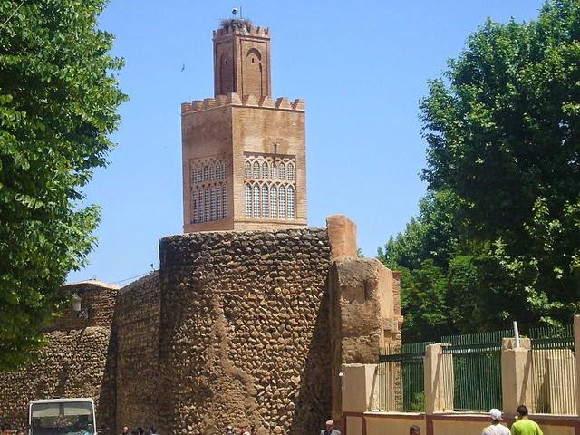 مظاهر الحياة الإجتماعية والإقتصادية في الجزائر في عهد الدولة الزيانية