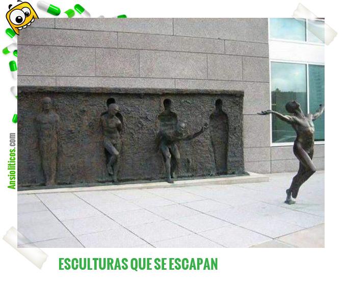 Chiste de Estatuas: Se salen del sitio