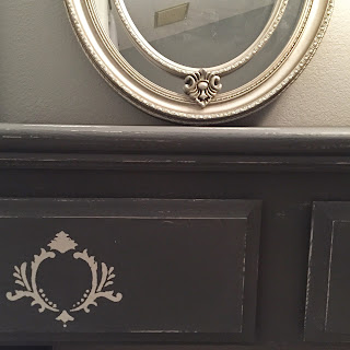 DIY Vanity Desk chalk paint stencil