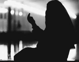 Pahala Melimpah Bagi Muslimah yang Tinggal di Rumah