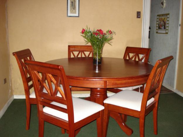 Ventas de muebles for Comedor redondo 5 sillas
