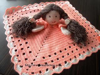 Tığ işi Kız Bebekli Kukla Battaniye