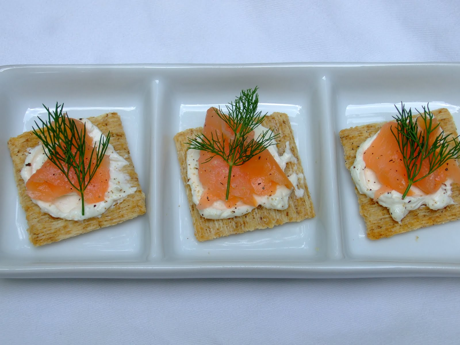 Her yellow apron smoked salmon canap for Canape hors d oeuvres