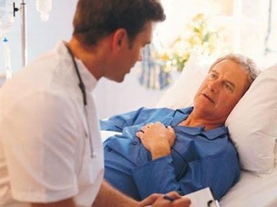 Cần theo dõi các dấu hiệu nguy hiểm ở bệnh nhân suy thận cấp