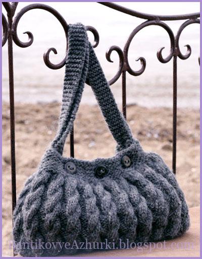 Серая сумка с косами и пуговицами (вязание спицами)