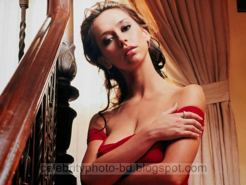 Jennifer+Love+Hewitt+Latest+Hot+Photos+With+Short+Biography003